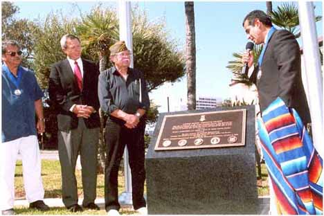 Somos primos dedicated to hispanic heritage and diversity issues unveiling the marker pictured from left to right eddie martinez designer roger i brautigan undersecretary of veterans affairs bill lansford fandeluxe Choice Image