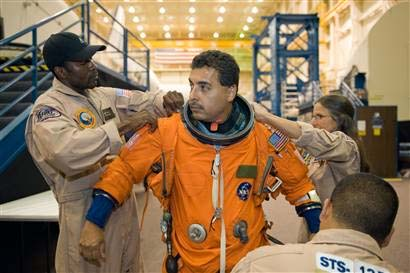 father jose hernandez astronaut - photo #14
