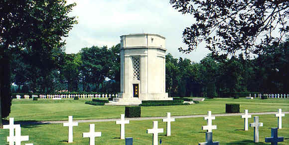 Somos primos 6 epinal france american cemetery a total of 5525 fandeluxe Choice Image