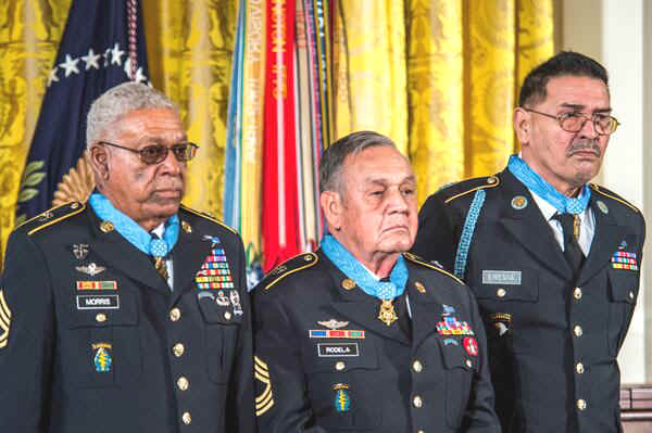 Somos primos three living recipients of the medal of honor lt to rt sgt 1st class melvin morris master sgt jose rodela sgt santiago j erevia fandeluxe Gallery