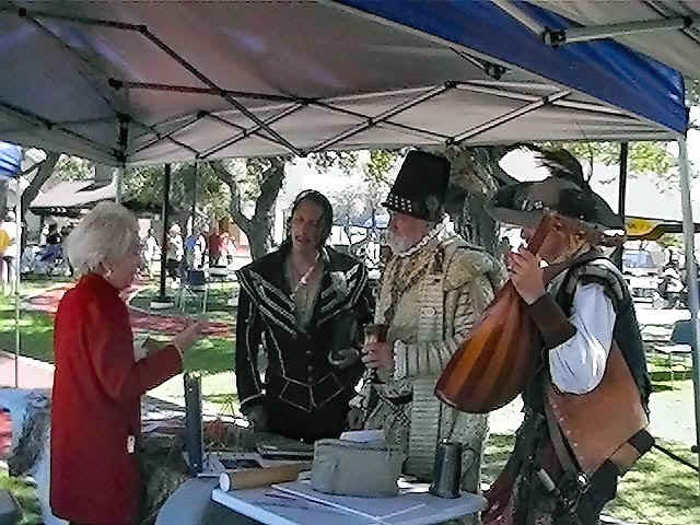 Somos primos part of the fun of setting up displays at events are meeting interesting people such as these re enactors from orange county california fandeluxe Choice Image